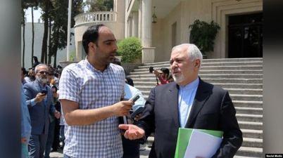 جواد ظريف مع صحفي