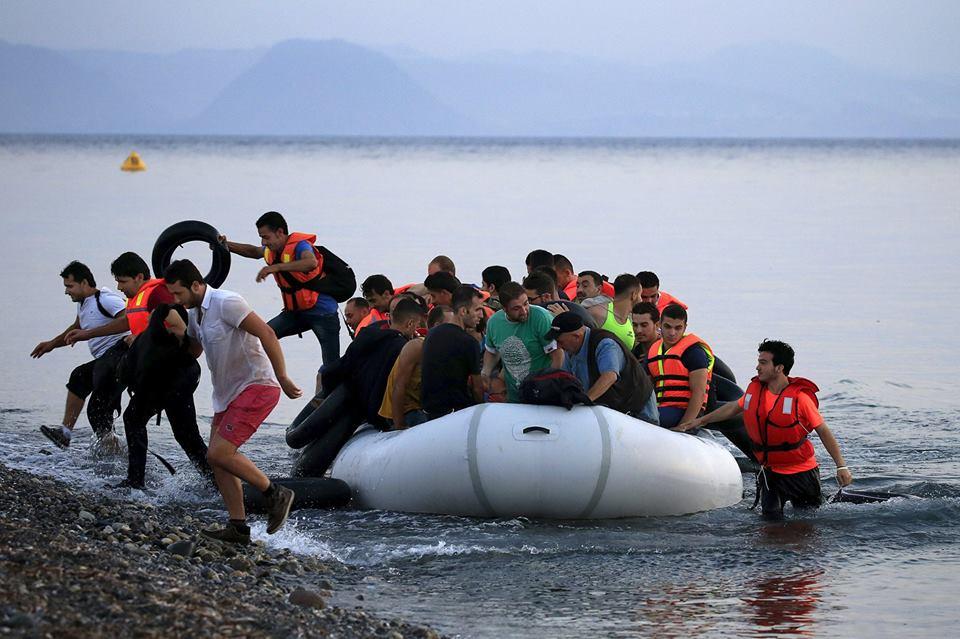 لاجئين في البحر