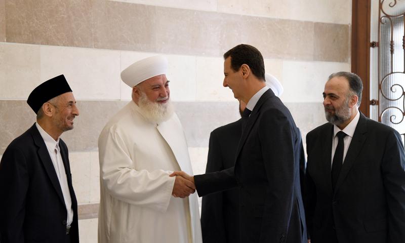 مفتي دمشق مع بشار الأسد