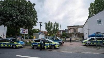 الشرطة الألمانية كنيس يهودي